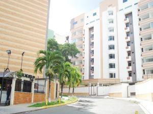 Apartamento En Ventaen Valencia, Campo Alegre, Venezuela, VE RAH: 18-13213