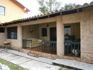 Casa En Ventaen Valencia, Colinas De Guataparo, Venezuela, VE RAH: 18-13315