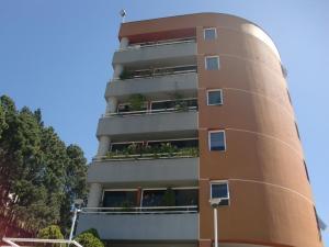 Apartamento En Ventaen San Antonio De Los Altos, Las Minas, Venezuela, VE RAH: 18-14104