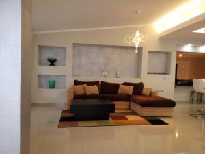 Casa En Ventaen Maracaibo, Maracaibo, Venezuela, VE RAH: 18-13376