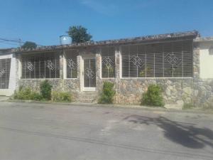 Casa En Ventaen Valencia, Santa Ines, Venezuela, VE RAH: 18-13418