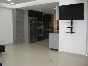 Apartamento En Ventaen Municipio Naguanagua, El Rincon, Venezuela, VE RAH: 18-13533