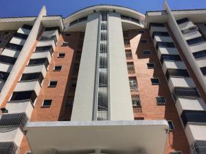 Apartamento En Ventaen Maracay, Los Chaguaramos, Venezuela, VE RAH: 18-13458