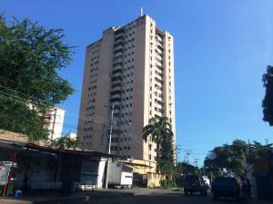 Apartamento En Ventaen Maracay, La Coromoto, Venezuela, VE RAH: 18-13463