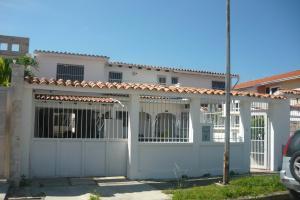 Casa En Ventaen Valencia, Trigal Norte, Venezuela, VE RAH: 18-13506