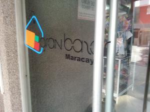Local Comercial En Ventaen Maracay, Avenida Bolivar, Venezuela, VE RAH: 18-13598