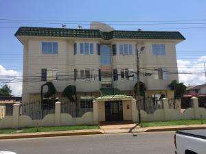 Apartamento En Alquileren Ciudad Ojeda, Calle Piar, Venezuela, VE RAH: 18-13624