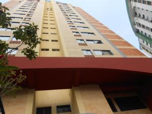 Apartamento En Ventaen Valencia, Los Mangos, Venezuela, VE RAH: 18-13646