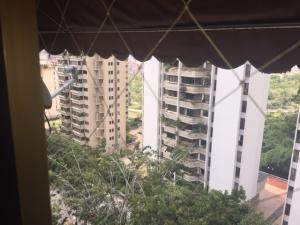 Apartamento En Alquileren Caracas, Terrazas Del Avila, Venezuela, VE RAH: 18-13700