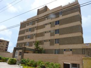 Apartamento En Ventaen Tucacas, Tucacas, Venezuela, VE RAH: 18-13727