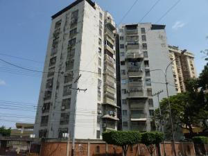 Apartamento En Ventaen Maracay, Urbanizacion El Centro, Venezuela, VE RAH: 18-13741