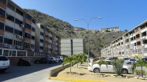 Apartamento En Ventaen Parroquia Caraballeda, Camuri Chico, Venezuela, VE RAH: 18-14188