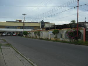 Terreno En Ventaen Ciudad Ojeda, Avenida Bolivar, Venezuela, VE RAH: 18-13777