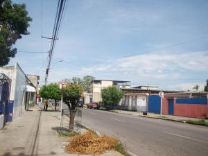 Local Comercial En Ventaen Maracay, Santa Ana, Venezuela, VE RAH: 18-13793