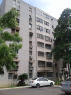 Apartamento En Ventaen Maracaibo, Avenida Goajira, Venezuela, VE RAH: 18-13832