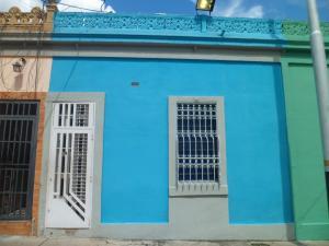 Casa En Ventaen Valencia, San Blas, Venezuela, VE RAH: 18-13817
