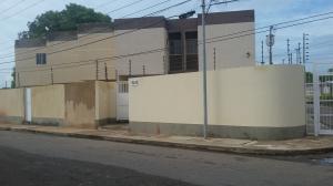 Townhouse En Ventaen Maracaibo, La Trinidad, Venezuela, VE RAH: 18-13987