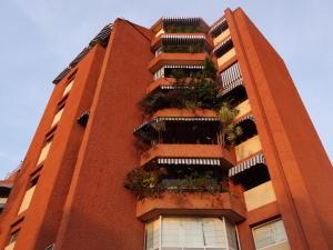 Apartamento En Ventaen Caracas, La Castellana, Venezuela, VE RAH: 18-14047