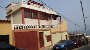 Casa En Ventaen Catia La Mar, Las Tunitas, Venezuela, VE RAH: 18-14056