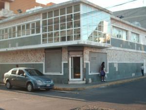 Local Comercial En Ventaen Punto Fijo, Centro, Venezuela, VE RAH: 18-14162