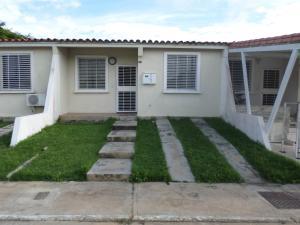 Casa En Ventaen Cabudare, Parroquia José Gregorio, Venezuela, VE RAH: 18-14470