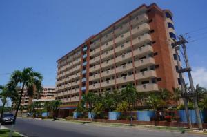 Apartamento En Ventaen Higuerote, Puerto Encantado, Venezuela, VE RAH: 18-14409