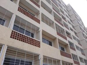 Apartamento En Ventaen Maracaibo, Avenida El Milagro, Venezuela, VE RAH: 18-15313