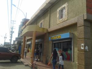 Local Comercial En Alquileren Ciudad Ojeda, Avenida Bolivar, Venezuela, VE RAH: 18-14425