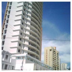 Apartamento En Alquileren Maracaibo, Avenida El Milagro, Venezuela, VE RAH: 18-10888