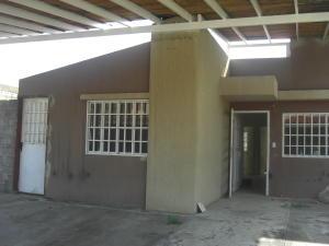 Casa En Ventaen Guatire, Canaima Dos, Venezuela, VE RAH: 18-14494