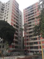 Apartamento En Ventaen Caracas, El Valle, Venezuela, VE RAH: 18-14505