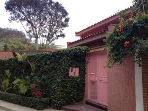 Casa En Ventaen Caracas, Colinas Del Tamanaco, Venezuela, VE RAH: 18-14582