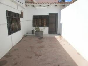 Local Comercial En Alquileren Maracaibo, Santa Rita, Venezuela, VE RAH: 18-14622