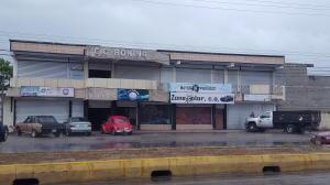 Local Comercial En Alquileren Cabimas, Zulia, Venezuela, VE RAH: 18-14665
