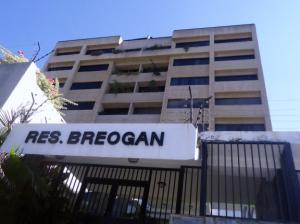 Apartamento En Ventaen Parroquia Caraballeda, Los Corales, Venezuela, VE RAH: 18-14686