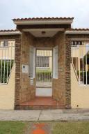 Casa En Ventaen Barquisimeto, Monte Real, Venezuela, VE RAH: 18-14689