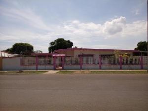 Local Comercial En Ventaen Maracaibo, Cantaclaro, Venezuela, VE RAH: 18-14882