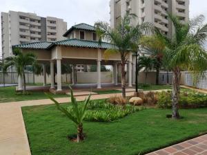 Apartamento En Ventaen Maracaibo, Avenida Milagro Norte, Venezuela, VE RAH: 18-14814