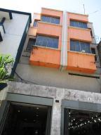 Local Comercial En Ventaen Caracas, La Hoyada, Venezuela, VE RAH: 18-14839