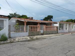 Casa En Ventaen Palo Negro, Conjunto Residencial Palo Negro, Venezuela, VE RAH: 18-14910