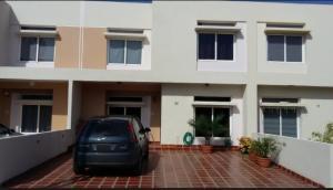 Townhouse En Ventaen Maracaibo, El Milagro Norte, Venezuela, VE RAH: 18-14996
