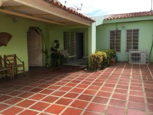 Casa En Ventaen Punto Fijo, Puerta Maraven, Venezuela, VE RAH: 18-14989