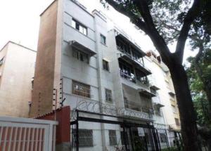 Apartamento En Ventaen Caracas, Los Chaguaramos, Venezuela, VE RAH: 18-15013
