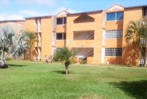Apartamento En Alquileren El Tigre, Sector Avenida Intercomunal, Venezuela, VE RAH: 18-15030