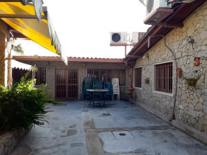 Casa En Ventaen Maracay, Andres Bello, Venezuela, VE RAH: 18-15059