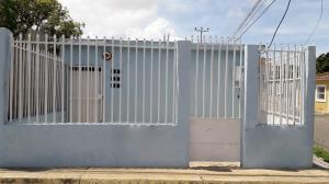 Casa En Ventaen Coro, Av Josefa Camejo, Venezuela, VE RAH: 18-15096