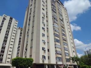 Apartamento En Ventaen Valencia, Valles De Camoruco, Venezuela, VE RAH: 18-15102