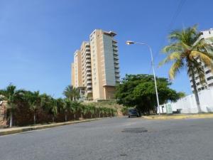 Apartamento En Ventaen Lecheria, Venecia, Venezuela, VE RAH: 18-15119