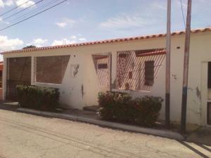 Casa En Ventaen Guatire, Valle Arriba, Venezuela, VE RAH: 18-15174