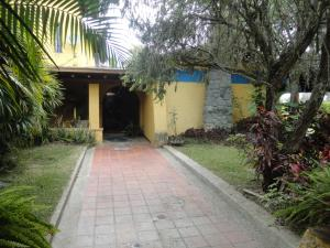 Casa En Ventaen Caracas, La Lagunita Country Club, Venezuela, VE RAH: 18-15183